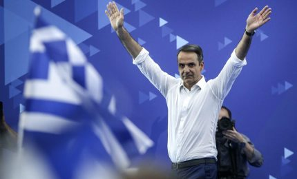 La Grecia vira a destra, il partito di Mitsotakis verso la maggioranza assoluta
