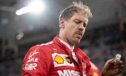 Vettel firma le libere, Mercedes inseguono