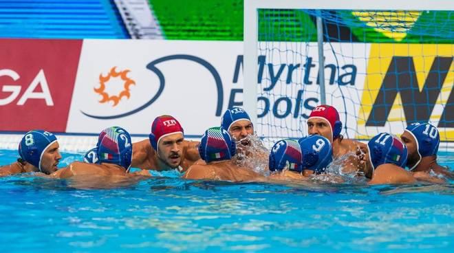 Mondiali nuoto: Bruni sfiora podio, il Settebello va