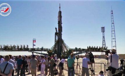 Il razzo Soyuz di Luca Parmitano è in rampa di lancio