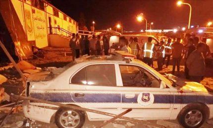 Strage migranti in Libia, bombardato centro detenzione: almeno 40 morti