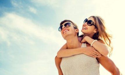 Estate, sole e relax ma massima attenzione agli occhi