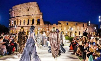 Fendi celebra Karl Lagerfeld e restaura Tempio di Venere