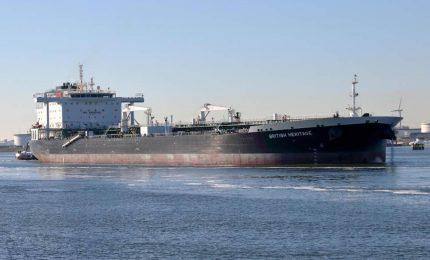 Iran sequestra due petroliere britanniche, sale la tensione nel Golfo