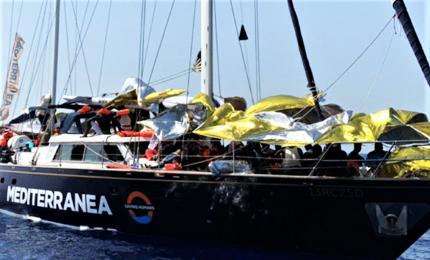 Alex attracca a Lampedusa, Salvini non autorizza sbarco