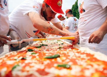 La pizza da Guinness, 500 metri con le ricette di tutt'Italia