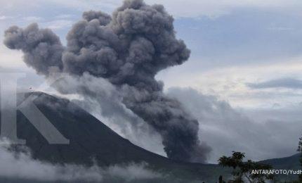Erutta vulcano a Java, evacuati turisti e allarme voli