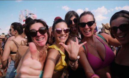 Jovanotti fa ballare 40.000 a Cerveteri, ospiti Morandi e Piotta