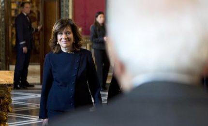 Mattarella avvia le consultazioni, atteggiamento notarile da arbitro imparziale