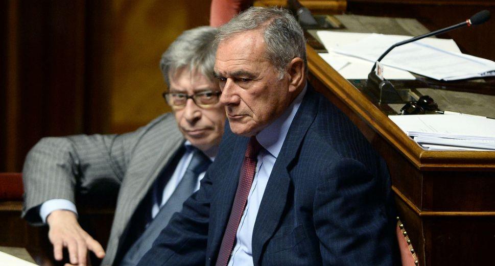 """Crisi, resta idea """"lodo Grasso"""" in Senato. Sfida su calendario, si preannuncia una spaccatura nella capigruppo"""