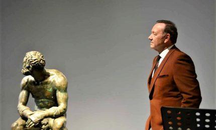 Kevin Spacey recita in pubblico a Roma dopo le accuse di molestie