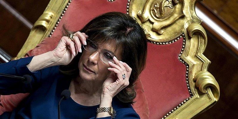 """Conte ora invita opposizioni ma al Senato è scontro M5s-Salvini. Il premier """"snobba"""" Draghi"""