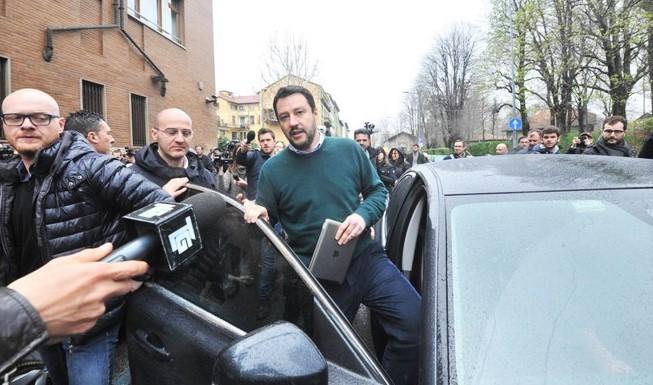 Tour Salvini al centro-sud, tra spiagge e mercati pesce