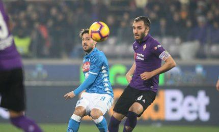 Show e polemiche al Franchi, il Napoli passa 4-3