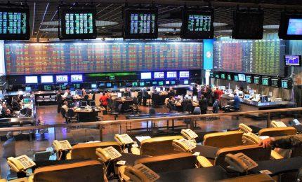Argentina, Borsa a picco con lo sconfitto Macri. Merval perde fino al 48%
