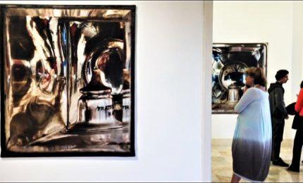 La fotografia e il suo supporto: la ricerca di Elisa Sighicelli