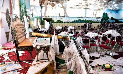 Attentato kamikaze in Afghanistan, almeno 63 morti e 180 feriti. L'Isis rivendica