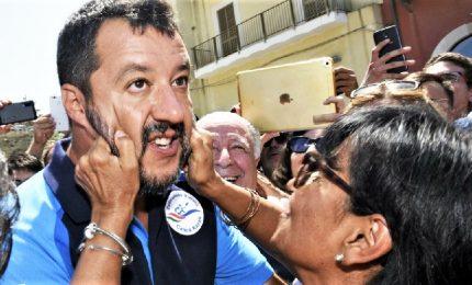 "L'ennesima giravolta di Salvini: ""L'Euro è irreversibile"""