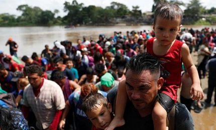 """Ius soli e detenzione bimbi, Trump shock sui migranti. """"Ridicolo dare cittadinanza a tutti quelli nati quì"""""""