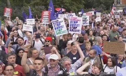 Brexit: Johnson ha il via libera della regina, Parlamento sospeso. Proteste in piazza