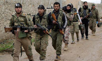Bombardato raduno jihadista vicino Idlib, almeno 40 morti. Pentagono, attacco Usa