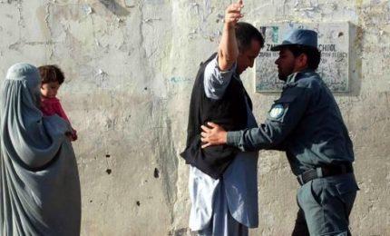 Afghanistan: esplosioni nei seggi durante il voto, diversi morti. Appello di Ghani: popolo desidera la pace