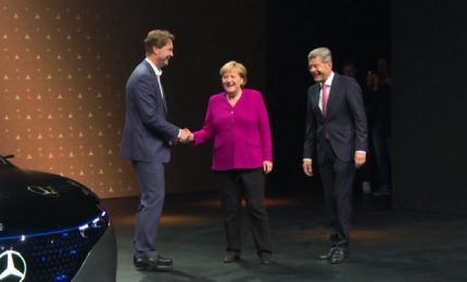 Merkel al Salone Auto di Francoforte: riconquistiamo la fiducia