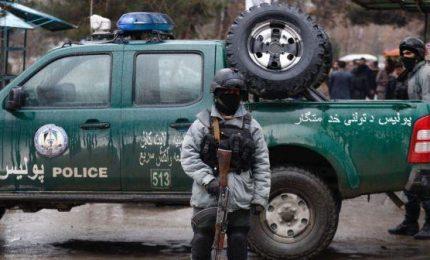 Attentato contro comizio elettorale a Kabul, almeno 26 morti. Talebani rivendicano