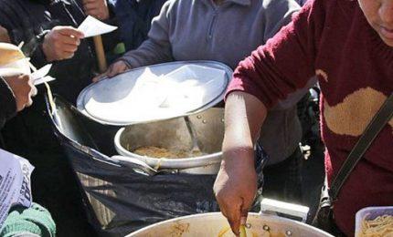 Emergenza cibo in Argentina, migliaia si accampano a Buenos Aires