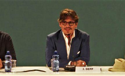 """Depp a Venezia: """"Molto orgoglioso di mia figlia Lily-Rose"""""""