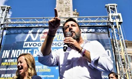 """Meloni e Salvini in piazza a Roma contro i """"poltronari"""": """"Elezioni, elezioni!"""" e """"Ladri di sovranita'"""""""