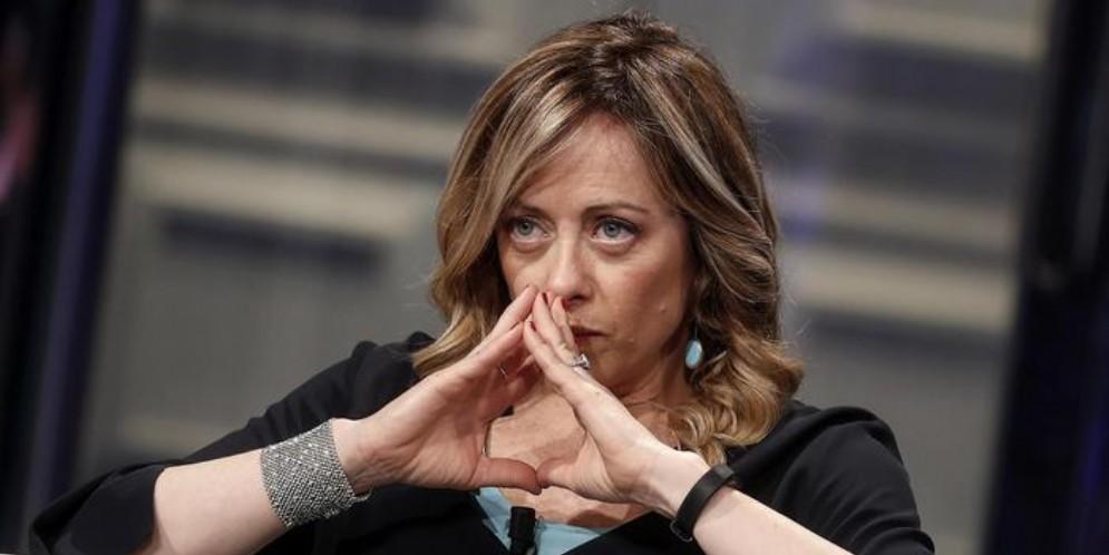 Centrodestra a valanga, Fratelli d'Italia è l'unico partito che cresce. Continuano a perdere consensi M5s, Pd e Iv