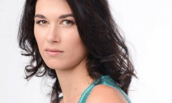 Pugni in strada, in ospedale attrice Gloria Cuminetti