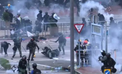 Honk Kong, nuovi scontri polizia-manifestanti: arresti e feriti