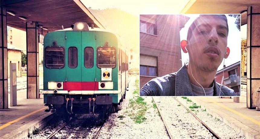 """Ventenne morto travolto da treno. Teste: """"Ridevano di lui"""""""