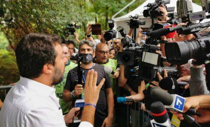 """Salvini ritrova il """"suo"""" popolo a Pontida: """"Qui c'è l'Italia che vincerà"""""""
