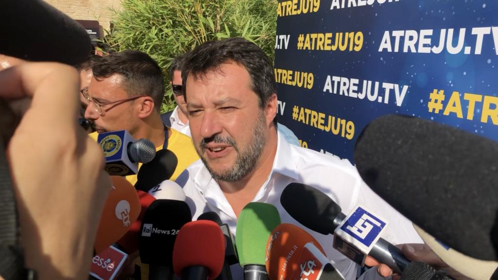 """Salvini: parole squallide, se Conte e Di Maio insistono querelo. Il premier: """"Mai parlato di mercato delle vacche"""""""