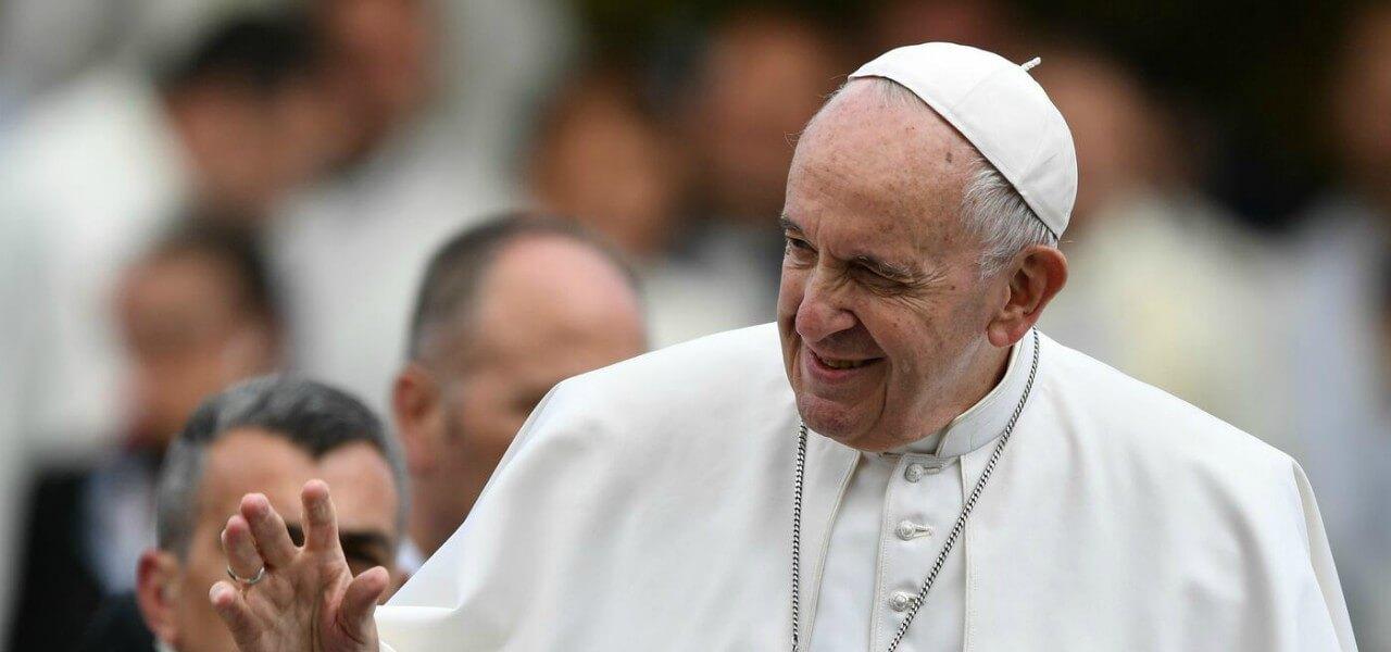 """Il Papa chiede alle big tech responsabilità su fake news: """"In pericolo le istituzioni"""""""