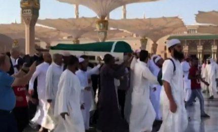 Tunisia, l'ex presidinte Ben Ali sepolto a Medina