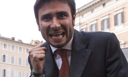Di Battista scuote M5S, non vi fidate di Pd e Renzi. Marcucci replica: Conte e Di Maio tengano a bada i suoi deliri