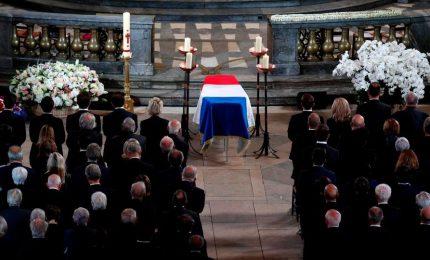 L'estremo saluto a Chirac, con 80 leader mondiali compreso Putin. Per l'Italia, Mattarella