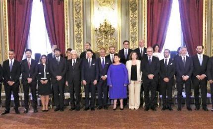 Governo, la foto di gruppo con Mattarella