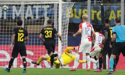 Champions: Barella salva brutta Inter, solo pari con Slavia
