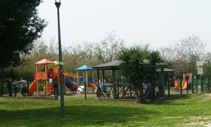 Ragazzina di 17 anni impiccata in parco