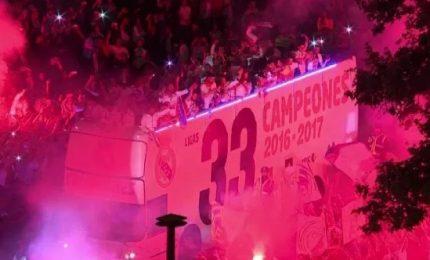 I campioni del mondo spagnoli accolti da eroi a Madrid