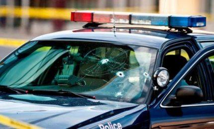 Nuova sparatoria in Texas, 5 morti e 21 feriti. Uomo apre fuoco da auto in corsa