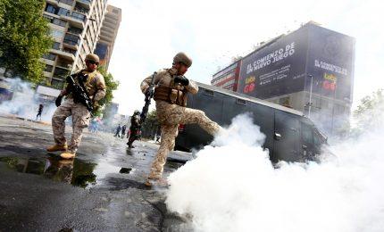 """Cile nel caos per il caro vita, almeno 11 morti. Il presidente: """"Siamo in guerra"""""""
