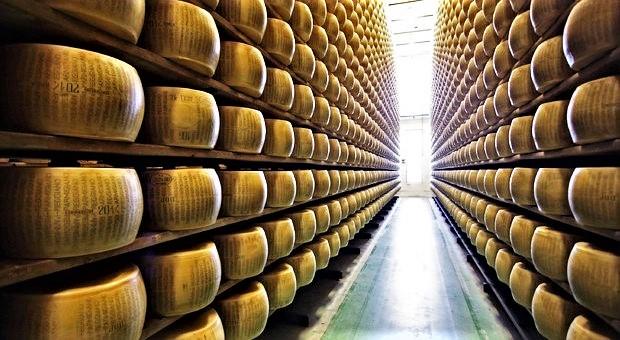 """Dazi Usa al 25% su pecorino, parmigiano e prosciutto. Governo: """"Ci difenderemo"""""""