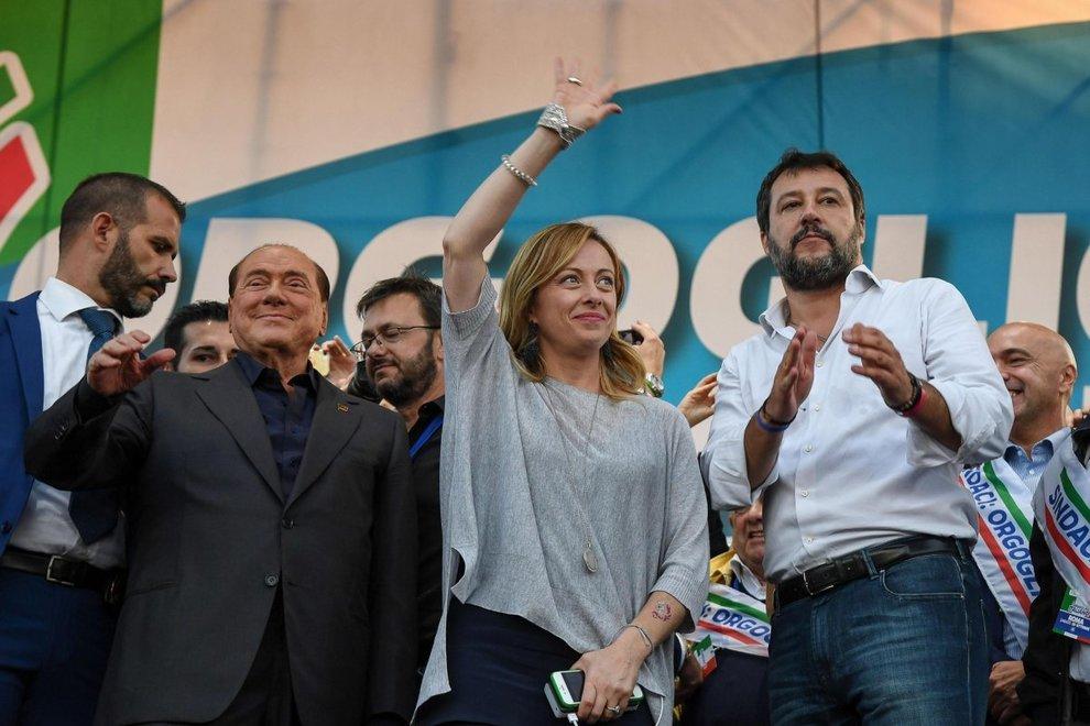 """Umbria galvanizza centrodestra, Salvini mira sul Governo e attacca Conte. Di Maio? """"Non si torna indietro"""""""