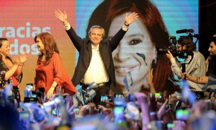 Argentina, Fernandez nuovo presidente. Il peronista batte a primo turno l'uscente Macri